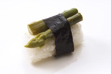 Sushi Nigri mit grünem Spargel