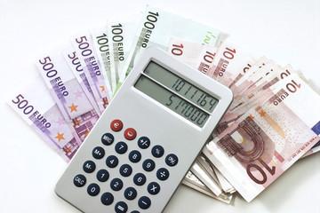 Rechner auf Euro-Banknoten