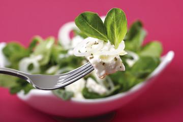 Feldsalat mit Schafskäse