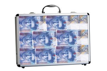 Koffer mit 100 Schweizer Franken-Banknoten, Nahaufnahme gefüllt