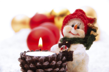 Kerzenhalter mit Schneemann-Figur