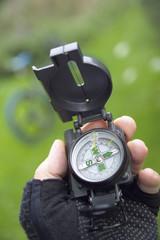 Kompass eines Mountainbikders