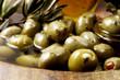 Frische Oliven im Schälchen