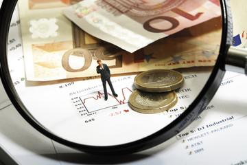 Lupe, Euro und Figuren