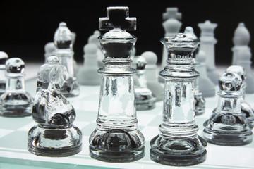 Glass Schachbrett und Schachfiguren
