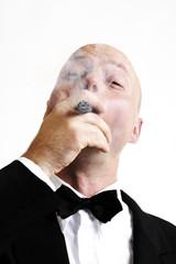 Mann raucht Zigarre, Portrait