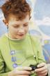 Junge mit MP3-Player