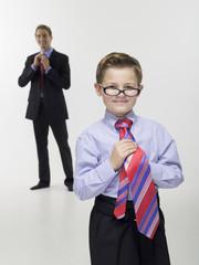 Vater und Sohn in Businesskleidung, Portrait
