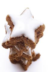 Pile of sternförmig Zimt Cookies