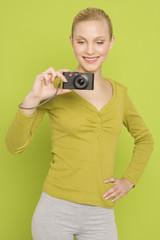 Frau mit Kamera, Porträt