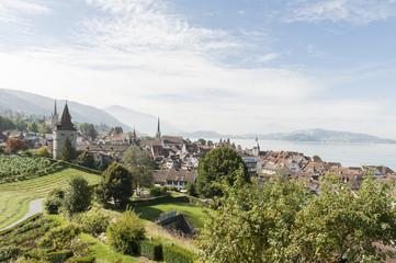 Altstadt von Zug, Aussicht Guggi, Zugersee und Kapuzinerturm