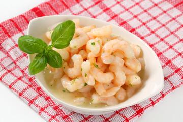 Shrimps with lemon butter sauce