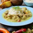 Sojacurry mit Ananas und Chili