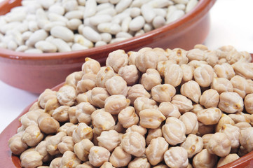 dry chickpeas and white beans