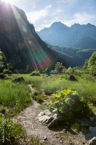 canvas print picture Lichtstrahlen in der Landschaft