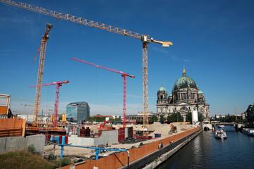 Berliner Dom und Großbaustelle Humboldt-Forum