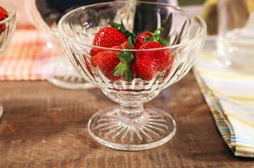 Frische Erdbeeren im Glas | Bio Nahrungsmittel