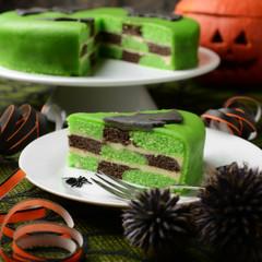 Grüne Halloweentorte