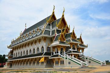 Wat Khun Inthapramun at  Angthong Province