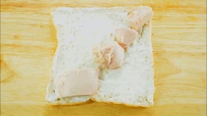 Tuna, tomato and mayonnaise sandwich stop motion loop [HD]