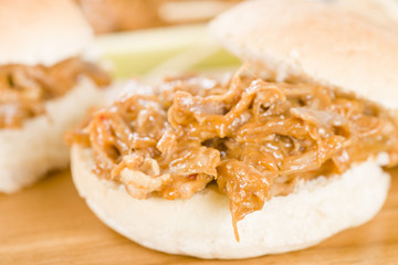 Pulled Pork Sliders - Juicy slow roasted pork in a white buns