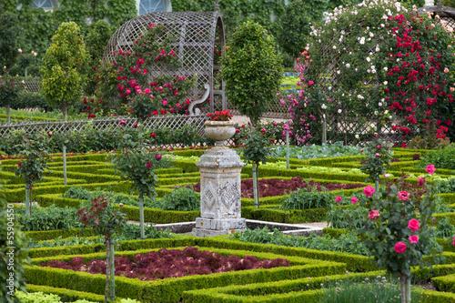 Papiers peints Jardin Gardens and Chateau de Villandry in Loire Valley in France