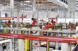 Industrieroboter in Fabrik