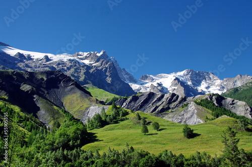 Fotobehang Alpen massif de la meije-france