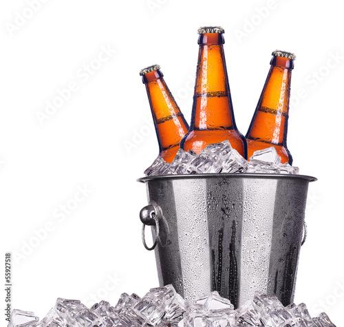 Aluminium Bier Beer bottles in ice bucket isolated