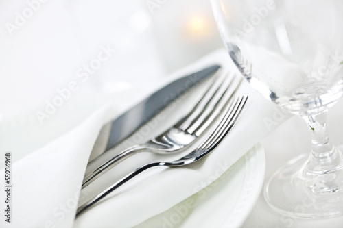 Table setting for fine dining