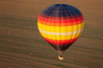 Fototapeta kolorowy balon na niebie