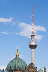Kuppel Berliner Dom und Fernsehturm