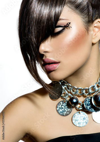 Fototapeta Fashion Glamour Beauty Girl With Stylish Hairstyle and Makeup