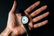 時計と人間の手