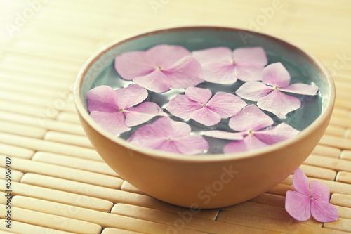 Flowers in bowl of water