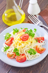 pasta with cheese and tomato