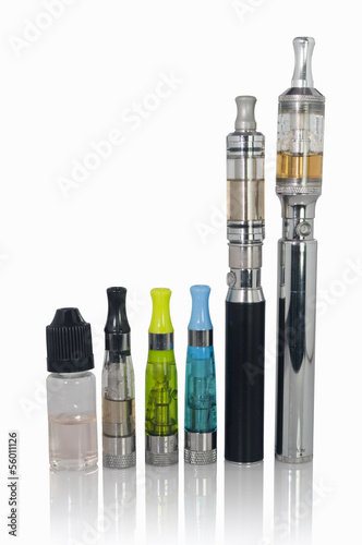 Electronic cigarette, atomizer and liquid flavour