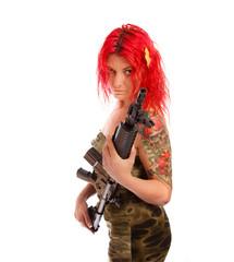 Deutsche Frau rothaarig mit Gewehr