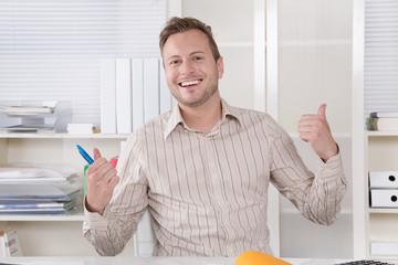 Portrait erfolgreicher Mann jung - Jungunternehmer, Angestellter