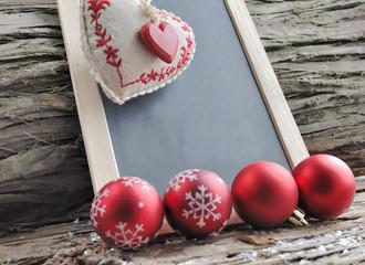 ardoise dans un décor de Noël