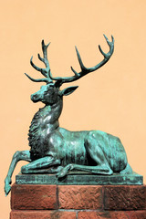 Bronzeskulptur von einem Hirsch