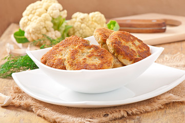 cutlets cauliflower with dill and garlic