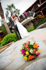 Genç çift evleniyor.