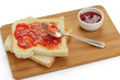 Toast mit Erdbeerkonfitüre