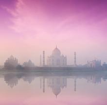 Тадж-Махал на восходе солнца закат, Агра, Индия