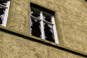 Vandalismus - eingeschlagene Fenster