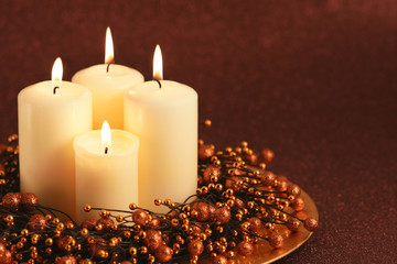 Advent wreath with glitter background
