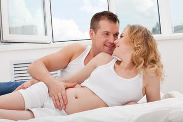 pregnant family lies