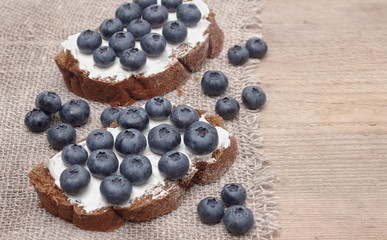 Bread with blueberries