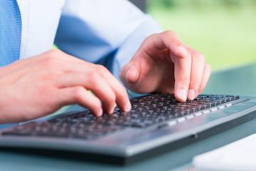 computertastatur bedienen